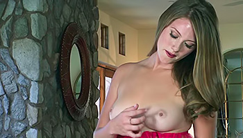 Shae Snow - Dark haired babe with red lips get tin naked then fingering