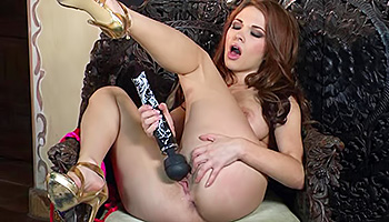 Sabrina Maree - Brunette uses her favorite toys to get off