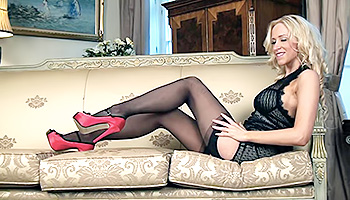 Samantha Alexandra - Blonde in red high-heels masturbating her shaved muff