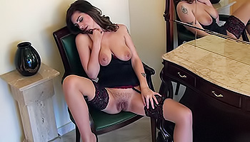 Yasmin Fields - Hot babe tries out her new sexy lingerie and masturbates