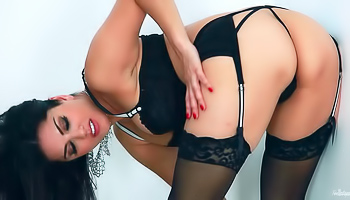Sunny Leone - Delicious busty babe is playing with her sexy pussy