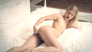 Violette - Blonde with silky legs having hot solo fun