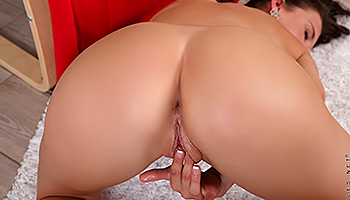 Laura Neal - A sexy brunette spreads wide and fingers deep