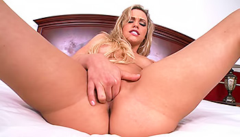 Mia Malkova - Blonde with a mind blowing and delicious body fingering