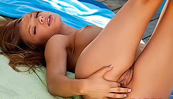 Alyssa Branch - Tempting strawberry blonde posing and getting dirty