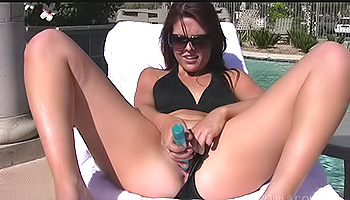 Cadence FTV - A red haired cutie spreads her cunt while in the garden