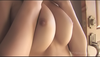 Alexa FTV - Blonde gets naked in the driveway and plays with herself