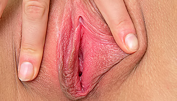 Vanesa Nubiles - Angel faced blonde with hot eyes stretching out her slit